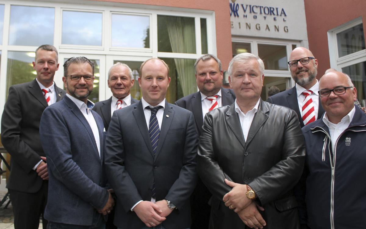 4 neue Leutnants im Mindener Bürgerbataillon