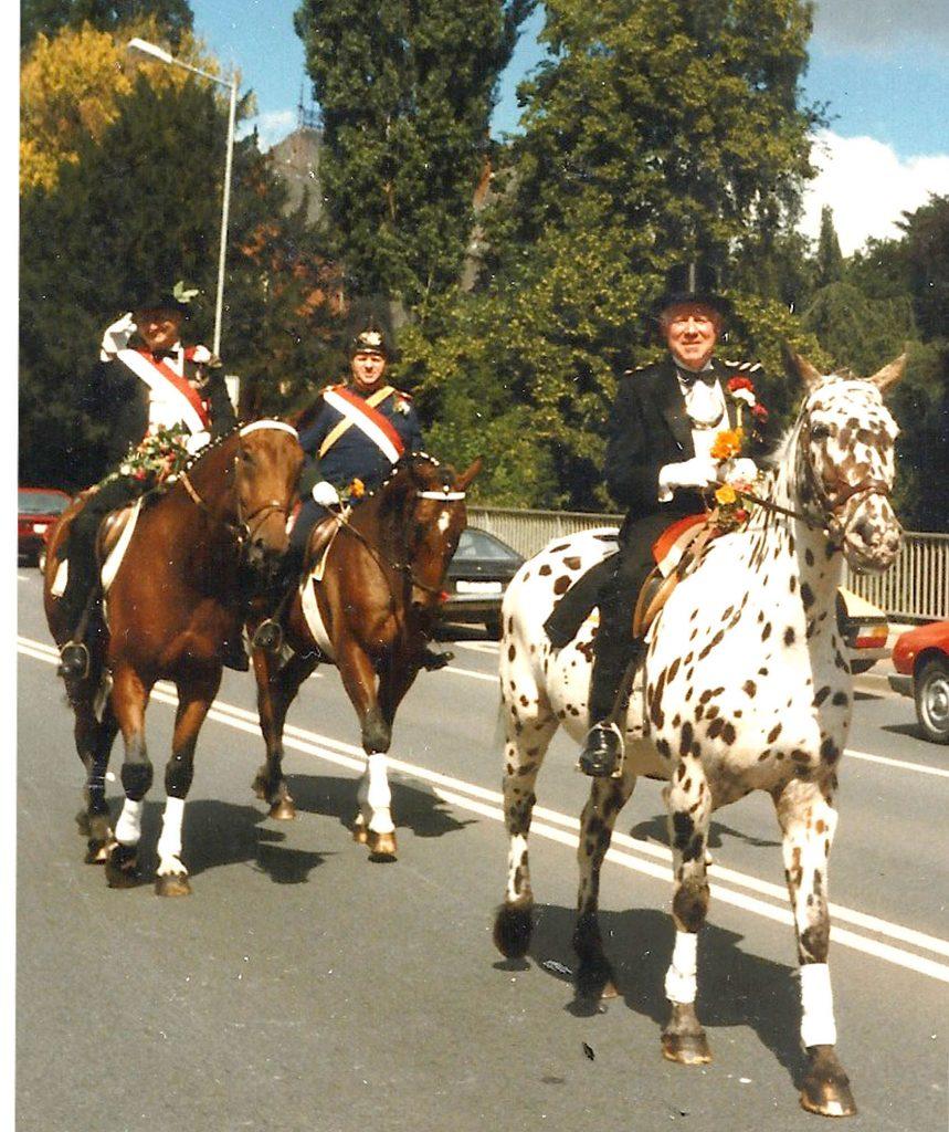 Fritz Hollo zu Pferde