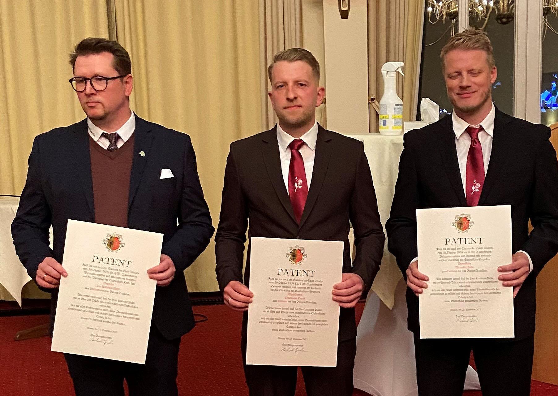 Das Mindener Bürgerbataillon freut sich über drei neue Offiziere